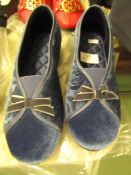 1 x JD Williams Heavenly Soles Slippers size 4 new see image for style