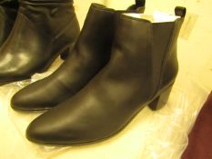 1 x JD Williams Ankle Black Leather Boots size 4 new see image for style