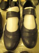 1 x JD Williams Cushion Walk Navy Leather Shoes size 4 new see image for style