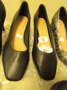 1 x JD Williams Flexi Sole Black Leather Shoes size 4 new see image for style