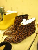 1 x JD Williams Ankle Leopard Boots size 4 new see image for style