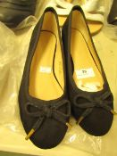 1 x JD Williams Black Bow Ballerina Shoes size 4 new see image for style