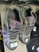 1 x Columbia Techlite Ladies Grey Trainers size 5UK no packaging (looks like unworn)