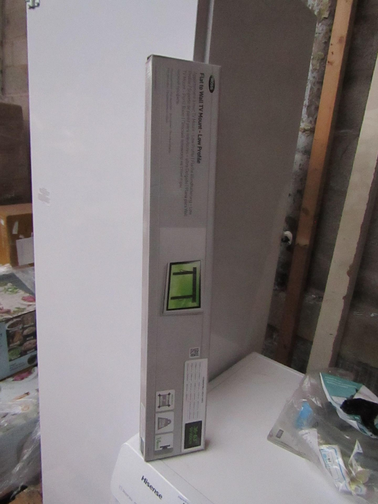 Ross Flat to Wall TV Mount - Low Profile 36 - 63'' Looks new ( no guarantee ) & boxed