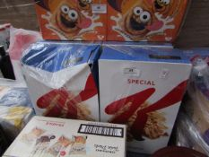 2x 750g Bopxes of Kelloggs Special K BB 12/2021, the other packaging is dmaged but the inners are