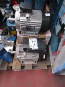 1x CL MOTOR 4-4-3 100F 363 1x CL MOTOR 3/4-4-1 80F 363 1x CL MOTOR 3-4-1 100L 363 This lot is a