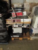 Pallet of approx 17 Items being approx 9 smashed screen TV's/Monitors from samsung and LG and approx