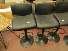  1x   MADE.COM SEAN SET OF 2 ADJUSTABLE BAR STOOLS BLACK   FEW SCUFF MARKS   RRP £129  