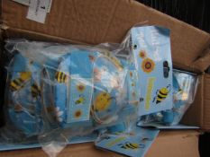 4x HoneyBee - Petal Knee Pad Set - Size Small - Unused & Packaged.