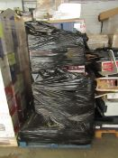Pallet of approx 11 Smashed screen TV from LG and Samsung, all look to have the original boxes,