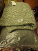 | 2X | COX AND COX CUSHION COVERS | UNCHECKED | RRP £- |