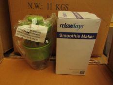 10 x Relax Days 300ml Manual Smoothie Makers, new and boxed