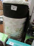Bamboo - Single Mattress Topper ( 90x200x4 cm) - Unused & Packaged.