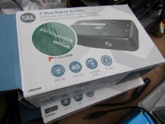 2x SLX 2 Way Signal Booster Unchecked & Boxed