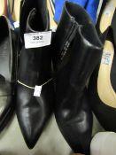 JD Williams Ladies Ankle Boot Black Size 7EEE Look Unworn