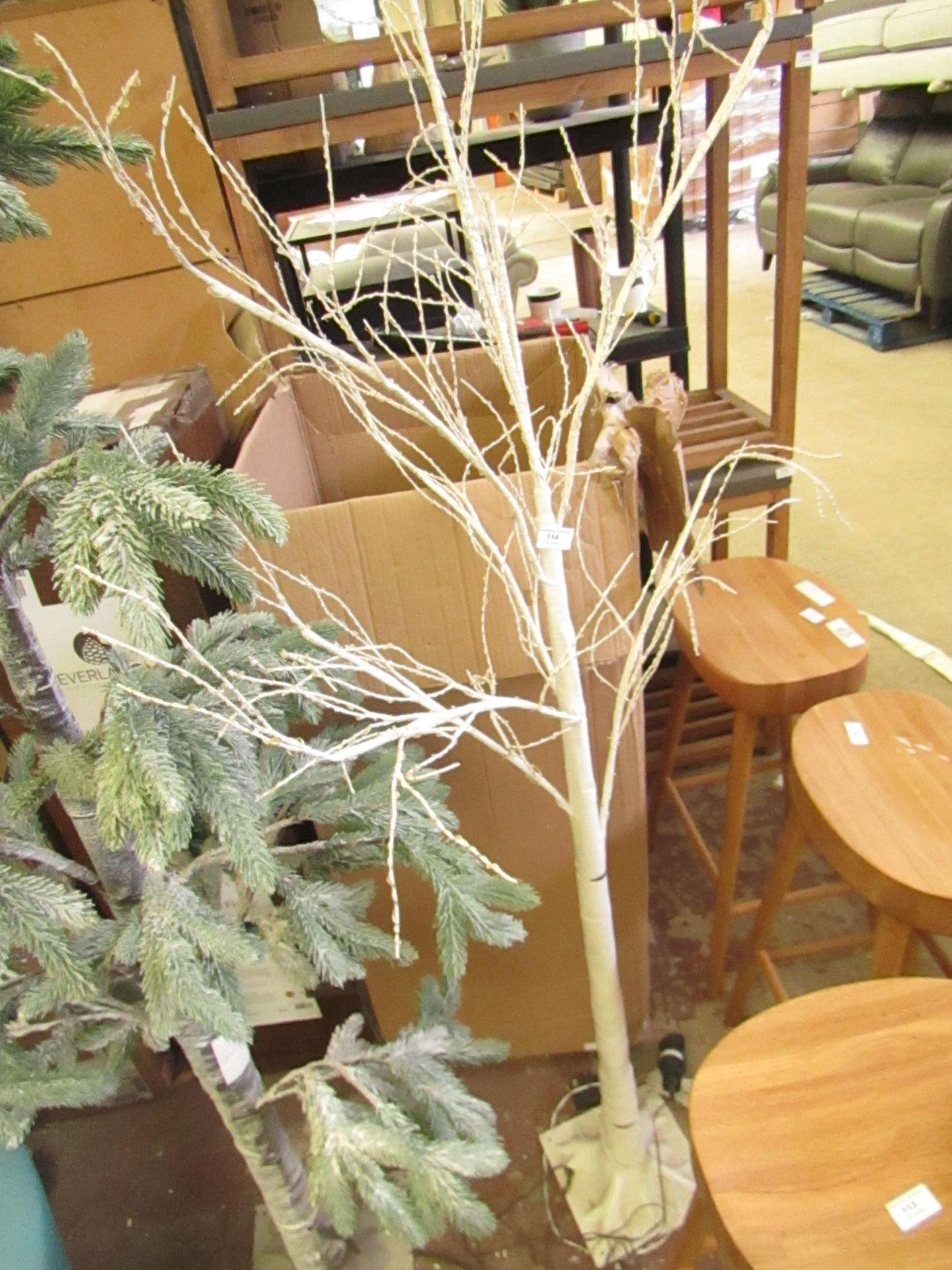   1X   COX AND COX PRE LIT WHITE TREE   LOOKS UNUSED (NO GUARANTEE)   RRP -  