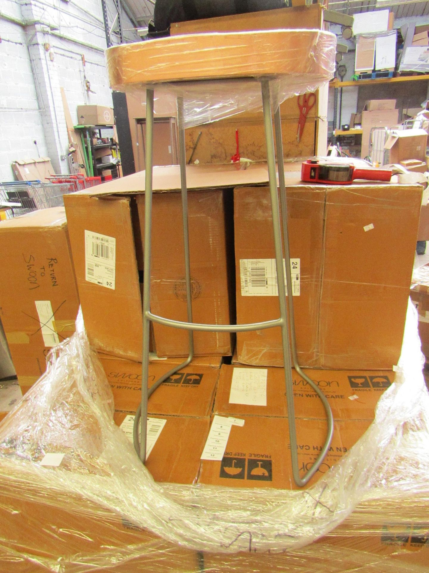   1x   SWOON.COM WELLES WARM COPPER BAR STOOL   NO VISIBLE DAMAGE LOOK LIKE NEW & BOXED   RRP £119  