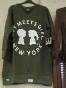 Boy Meets Girl Long Sweatshirt Green Size X/S New & Packaged