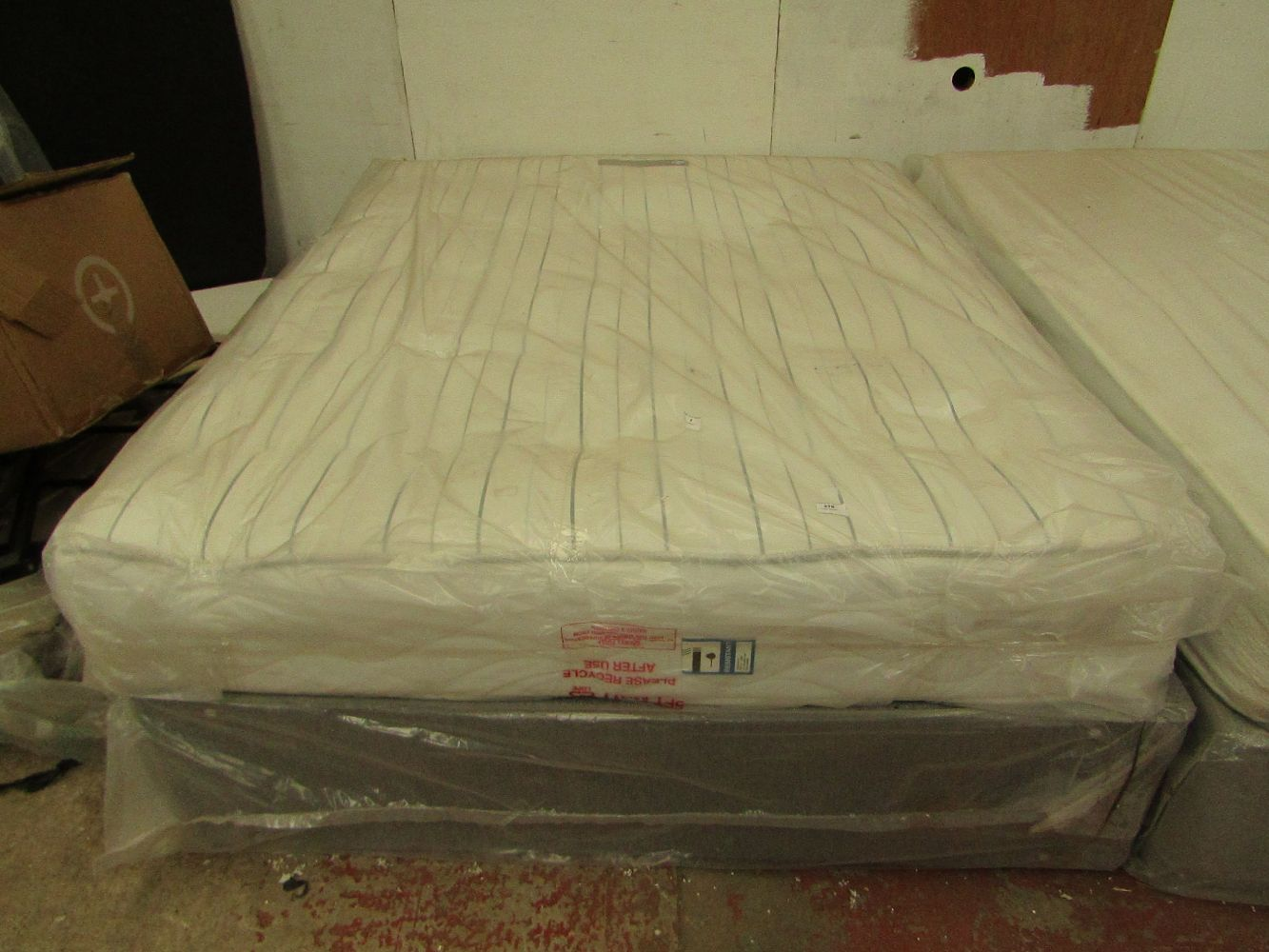 Ex Display Beds and Mattresses.
