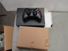 EasySMX - Set Of 2 Controller ( ESM-9013 ) - Look Suitable For XBOX 360 - Unchecked & Boxed.