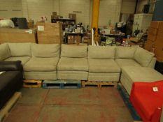 6 Piece modular sofa set, no major damage and includes feet. RRP ?1000