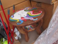| 1x | CHILDRENS ROUND TABLE WITH UNICORN DESIGN | LOOK TO BE IN GOOD CONDITION BUT COULD HAVE A FEW