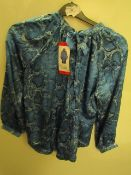 J.A.C.H.S Girlfriend Blouse Snake Floral Size M New With Tags