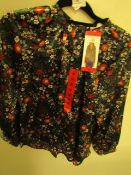 J.A.C.H.S Girlfriend Blouse Navy Floral Print Size M New With Tags