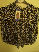 J.A.C.H.S Girlfriend Blouse Animal Print Size L New With Tags
