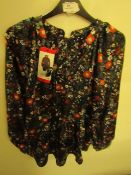 J.A.C.H.S Girlfriend Blouse Navy Floral Size M New With Tags