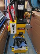 1x CL MILL/DRILL CMD300 996 This lot is a Machine Mart product which is raw and completely unchecked