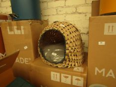   1X   MADE.COM OLI WOVEN CAT HOUSE   NATURAL   UNCHECKED & BOXED   RRP £45  