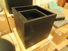   1X   MADE.COM RAZAN SET OF 2 GALVANIZED SQUARE PLANTERS   BLACK   UNCHECKED & BOXED   RRP £59  