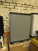 1x colter bin 60L - This lot is a completely UNCHECKED. We have not checked this item and we are