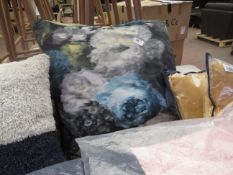 | 1X | SWOON CUSHION, SEE IMAGE FOR DESIGN | LOOKS IN GOOD CONDITION (NO GUARANTEE) | RRP £- |