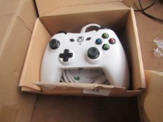 Amazon Basics Wired Xbox One Controller - White - Untested & Boxed -