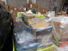   1X   PALLET OF YAWN AIRBEDS (PLEASE SEE PICTURE FOR ESTIMATED QUANTITY)   PALLET IS RAW AND