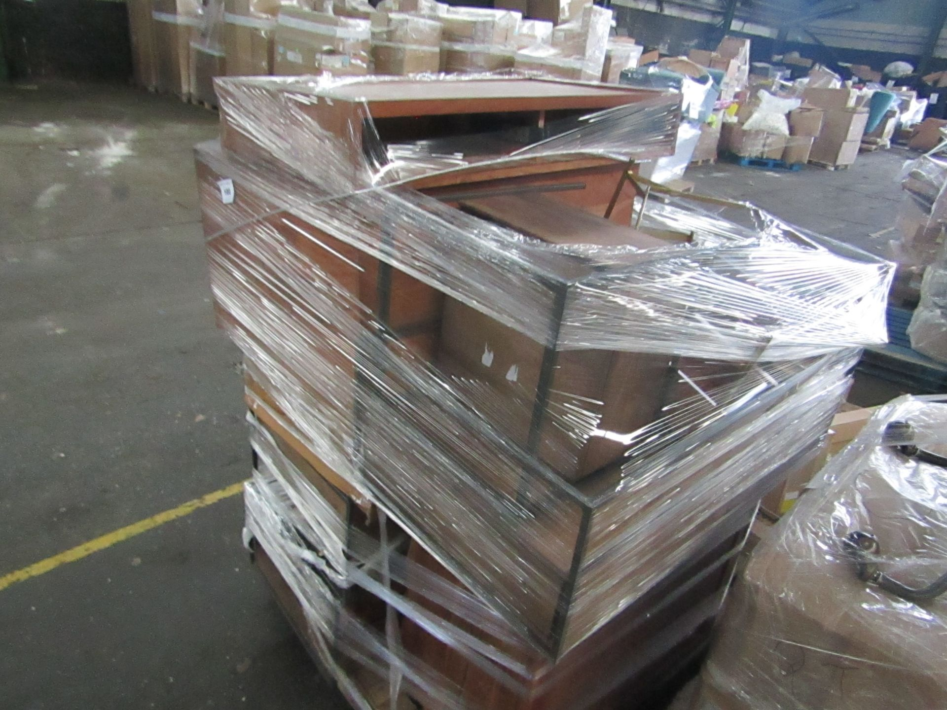 Mixed pallet of Swoon Editions customer returns to include 18 items of stock with a total RRP of