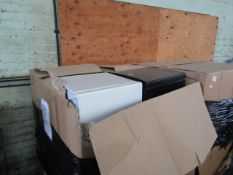 1X PALLET CONTAINING APPROX 12 TABLETOP FRIDGES FROM SIXTY FRIDGES | ALL UNTESTED |