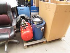 1x CL COMP RAID15/550 2 1283 1x CL DUST CWVE1 230V 1 1283 This lot is a Machine Mart product which