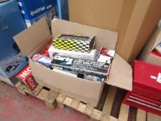 1x BOX OF SJ POST HOLE DIGGERS 1287 This lot is a Machine Mart product which is raw and completely
