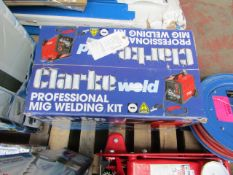 1x CL WELD MIG135TE 230 1277 This lot is a Machine Mart product which is raw and completely