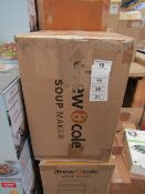   1x   DREW AND COLE SOUP MAKER   REFURBISHED AND BOXED   NO ONLINE RESALE   SKU -   RRP £59.99  