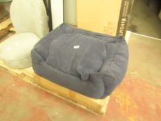   1X   MADE.COM KYSLER PET BED, MEDIUM, NAVY CORDUROY   UNCHECKED & BOXED   RRP £69  