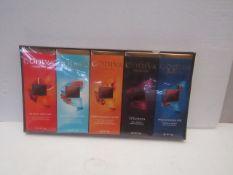 1X BOX CONTAINING 10 GODIVA CHOCOLATE BARS BLOOD ORANGE & SALTED CARAMEL & ROASTED ALMOND & 72%