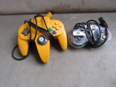 2x Nintendo gaming controllers, unchecked