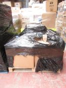 1X PALLET CONTAINING APPROX 30 HOZE LOCK HOSE & NOZZLE   THIS PALLET IS UNCHECKED AND UNMANIFESTED