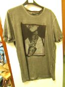 1x Brave soul london mens t-shirt, size L, looks new, See picture for design.