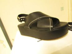L K Bennett London Sima Black Veg Leather Shoes size 39 RRP £250 new & boxed see image for design
