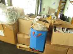 1X PALLET CONTAINING 6 BOXES OF HOME ELECTRICAL GEAR AND SOME GENERAL GEAR | ALL UNCHECKED SO NO